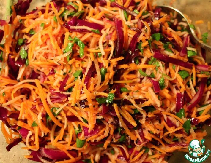 Рецепт: Салат с редькой и красной капустой
