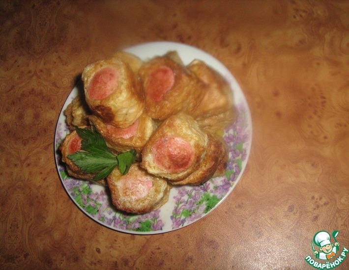 Рецепт: Сосиски с картофельным пюре в вафлях