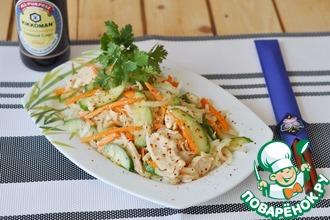 Рецепт: Корейский салат из курицы и огурцов