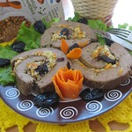 Рулет печеночный с гречкой и черносливом