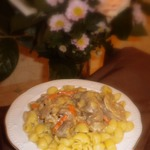 Куриные желудки в соусе с травами
