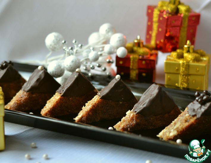 Рецепт: Новогоднее пирожное Ореховые треугольники