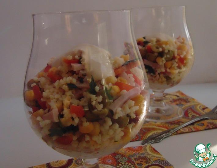 Рецепт: Салат с пшеном, ветчиной и кукурузой