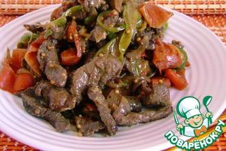 Рецепт: Ароматная острая говядина с овощными лентами