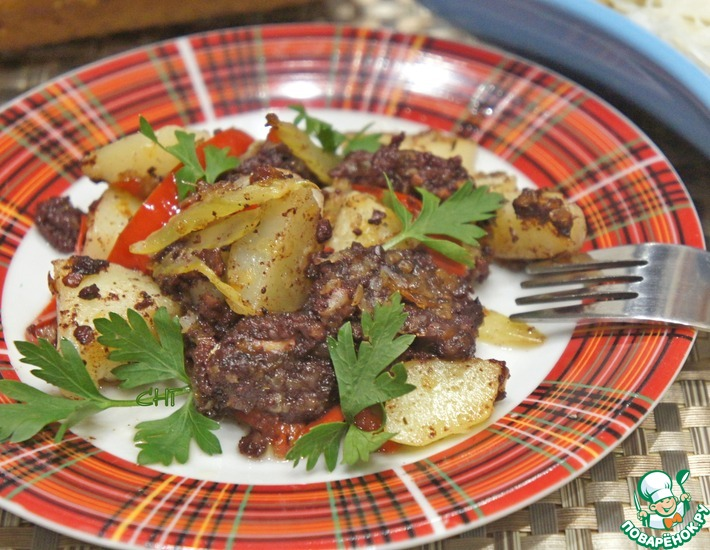 Рецепт: Поджарка с кровяной колбасой