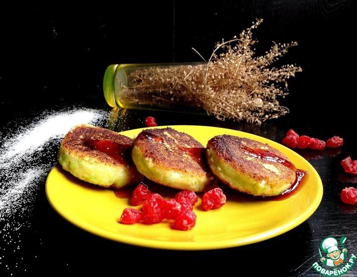 Рецепт: Сырники с кокосом и вишней Идеальные