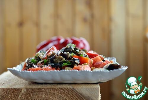 Рецепт Салат из баклажанов с копченой рыбой