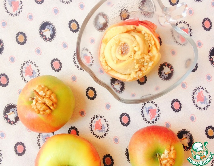 Рецепт: Яблоки, фаршированные булочками Синнабон