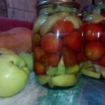Консервированные помидоры с яблоками без уксуса