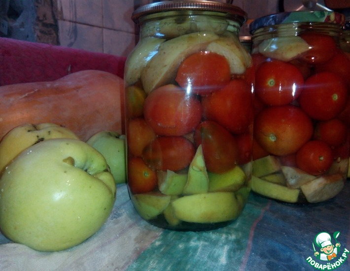 Рецепт: Консервированные помидоры с яблоками без уксуса