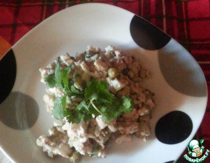 Рецепт: Салат из сайры с яблоком и огурцом