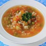 Суп с рисом, кабачком и горошком