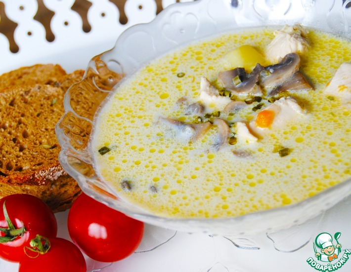 Рецепт: Суп с шампиньонами, плавленым сыром и курицей