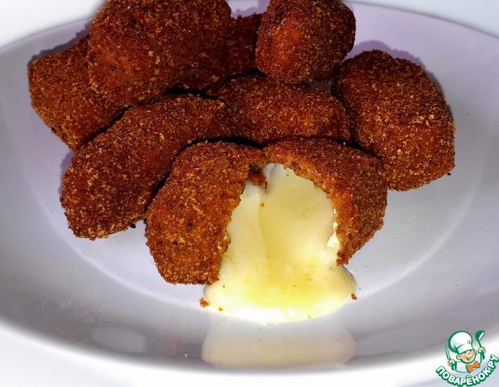 Рецепт: Сырные наггетсы Бри