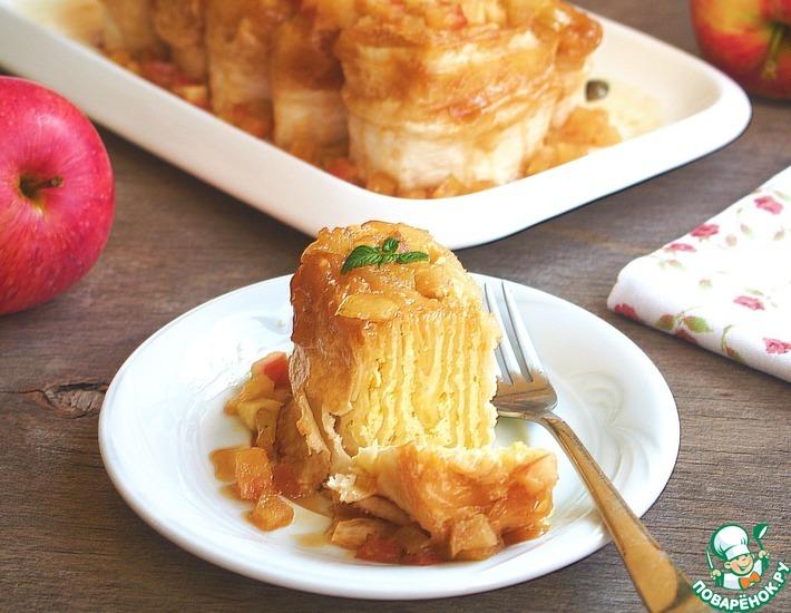 Рецепт: Рулетики с творогом под яблочной карамелью