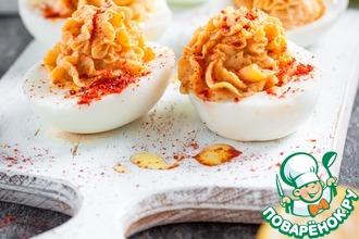 Рецепт: Яйца, фаршированные хумусом