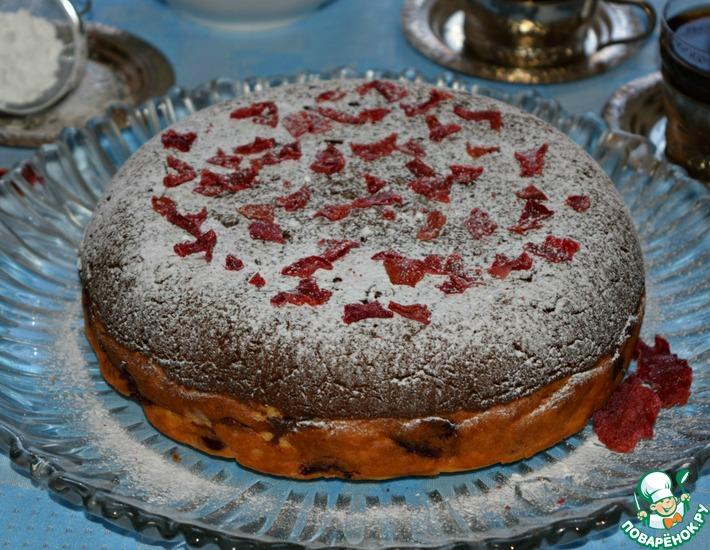 Рецепт: Пирог с творогом и вишней Очарование