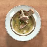 Суп из барабульки, лука-порея и фенхеля