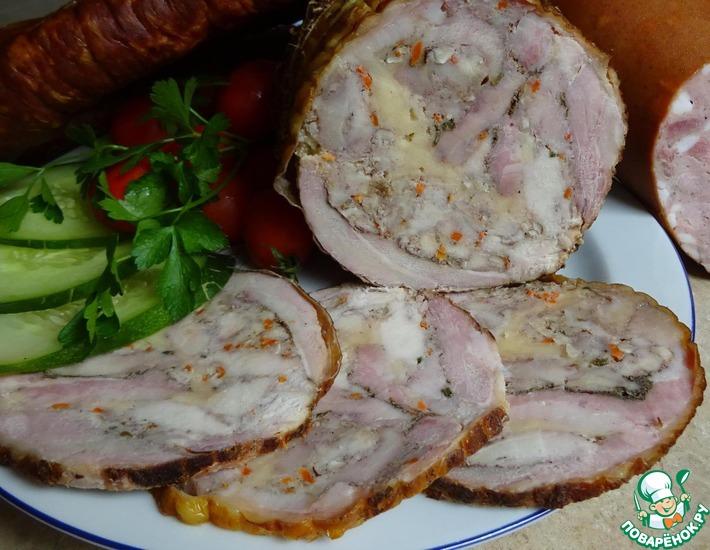 Рецепт: Мясной рулет с орехом и сыром