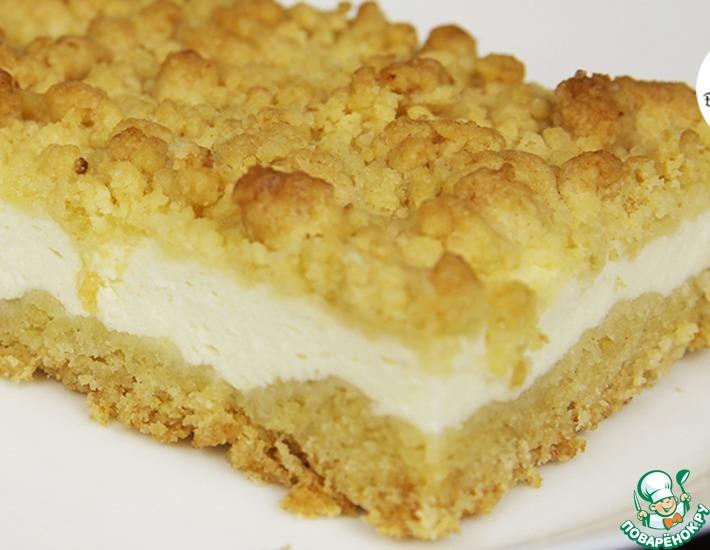 Рецепт: Творожный пирог с песочной крошкой