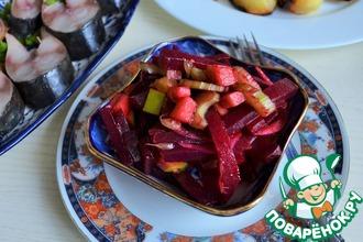 Рецепт: Салат из свеклы с яблоком