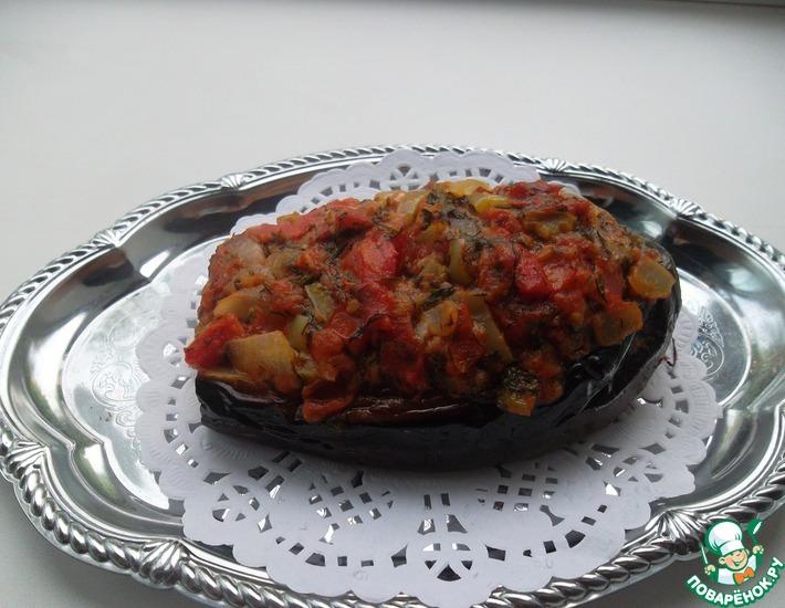 Рецепт: Баклажан с курицей под овощным соусом