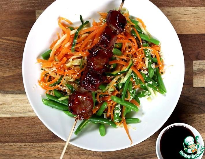 Рецепт: Свинина Терияки с разноцветным салатом