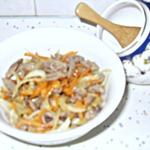 Салат закусочный Сердечки с маринованным луком