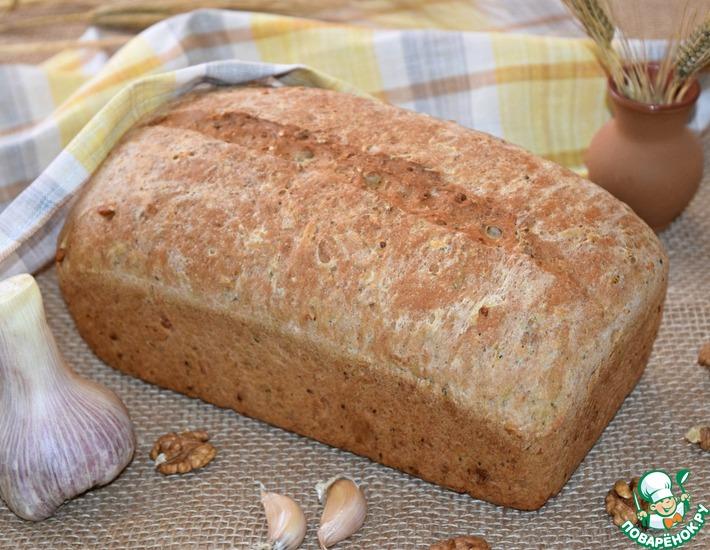 Рецепт: Чесночный хлеб с травами и орехами