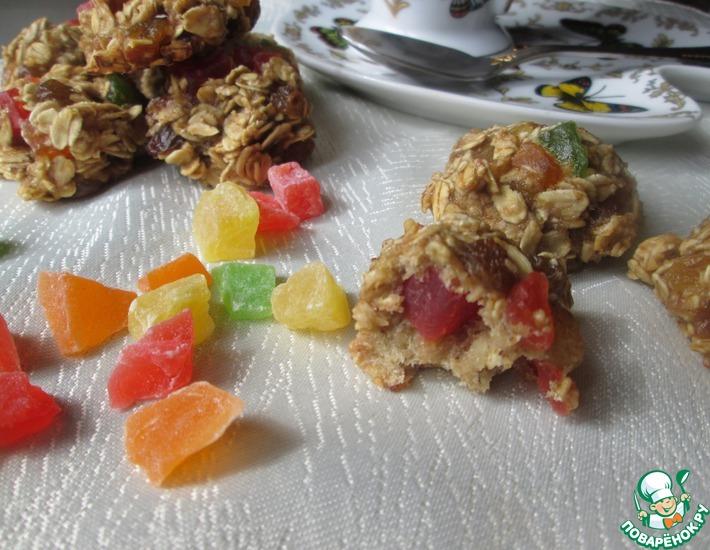 Рецепт: Овсяное печенье с изюмом и цукатами