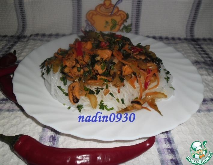 Рецепт: Фунчоза с мидиями и сельдереем