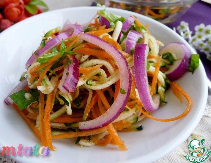 Рецепт: Салат из цуккини с луком