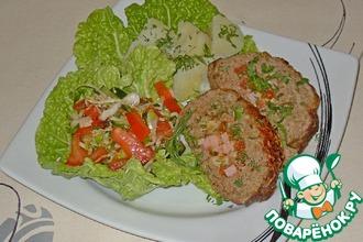 Рецепт: Мясной рулет с ветчиной и сыром