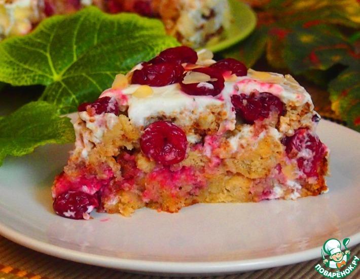Хлебный торт с миндалем и вишней