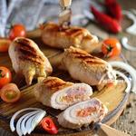 Свиные гриль-рулетики с томатной сальсой