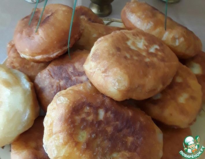 Рецепт: Пирожки жареные дрожжевые