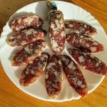 Свиная сыровяленая колбаса в условиях квартиры