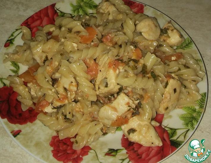 Рецепт: Паста с курицей, овощами и базиликом