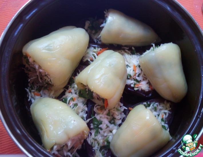 Рецепт: Квашеные баклажаны и перцы с капустой