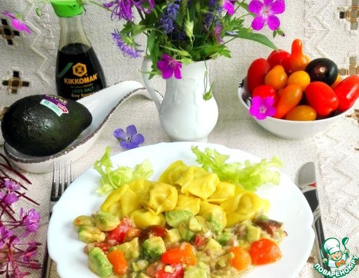 Рецепт: Салат с авокадо и овощами