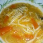 Овощной суп с пастой и чечевицей