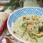 Луковый крем-суп с пельменями Утка мандаринка