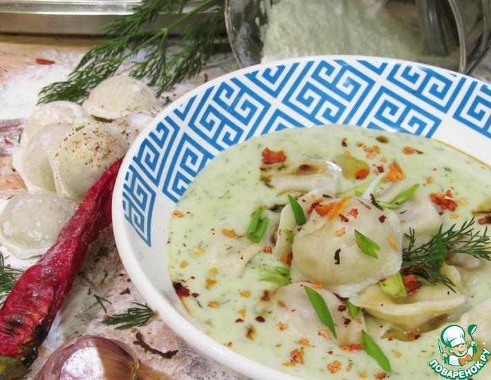 Рецепт: Луковый крем-суп с пельменями Утка мандаринка