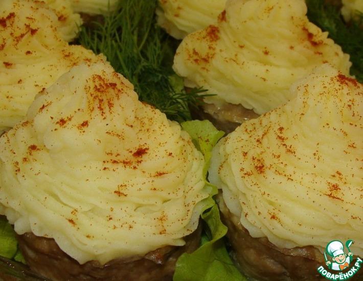 Рецепт: Мясные капкейки с начинкой
