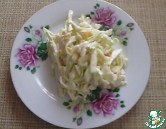 Рецепт: Салат из капусты и крабовых палочек