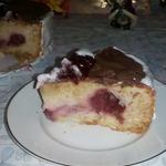 Песочно-бисквитный пирог с клубникой