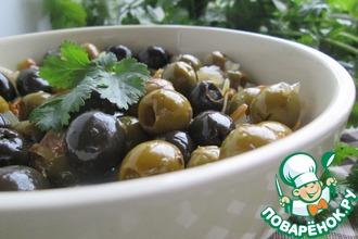 Рецепт: Тёплые маринованные оливки Микс