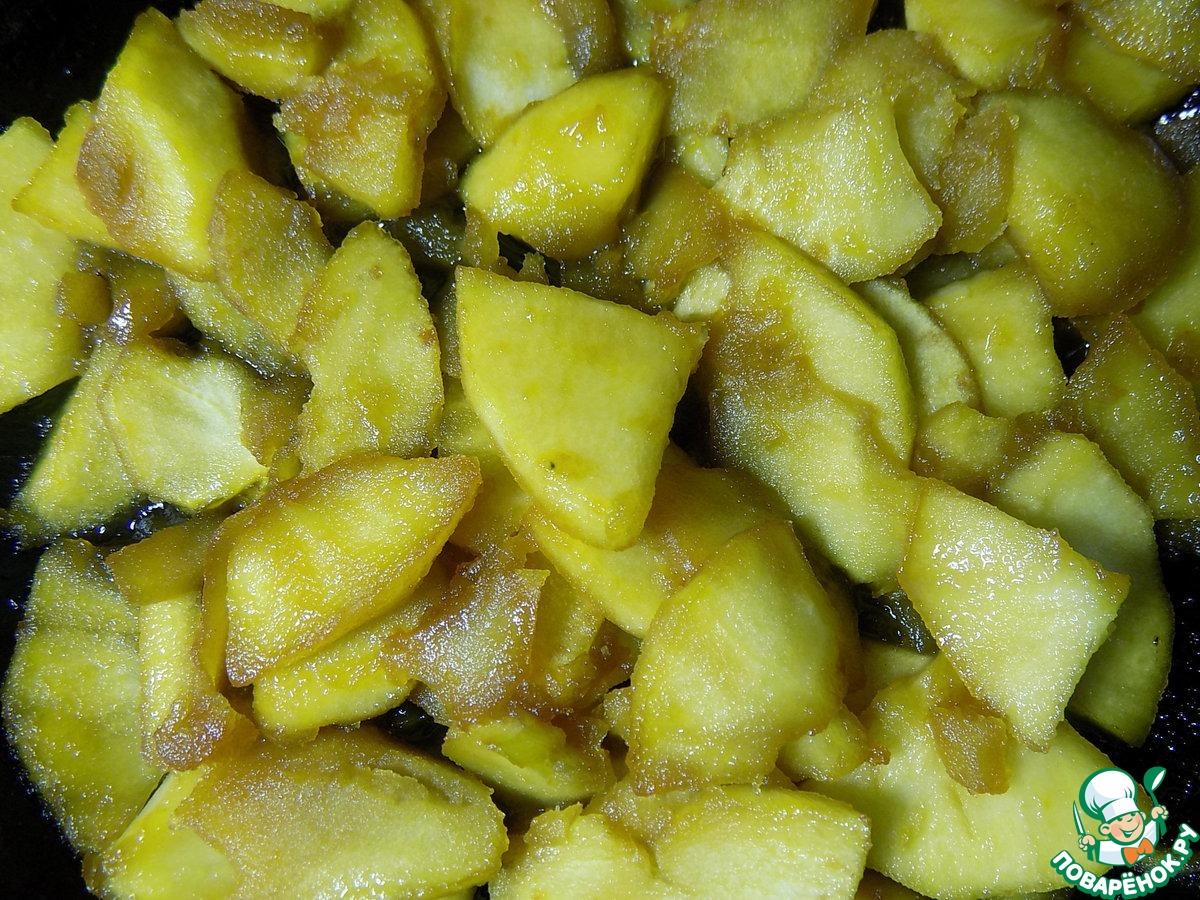 Шифоновый медовик с карамельными яблоками