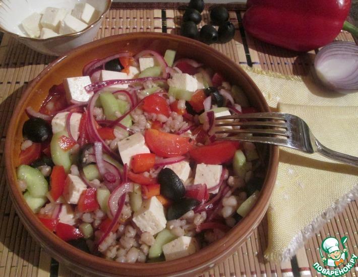 Рецепт: Греческий салат с перловкой
