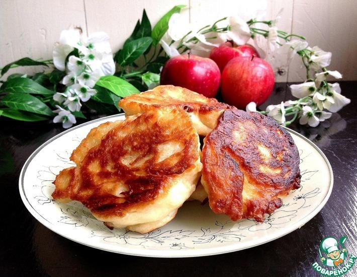 Рецепт: Яблочные дрожжевые оладьи Весенние